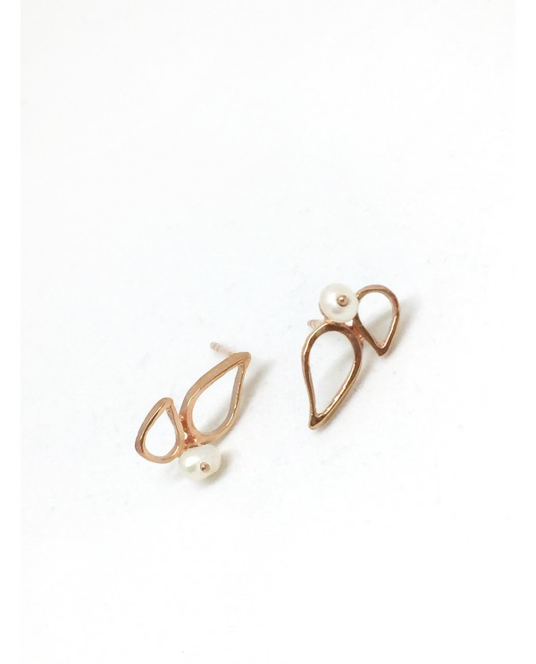 Muson Gold Earrings with Pearl
