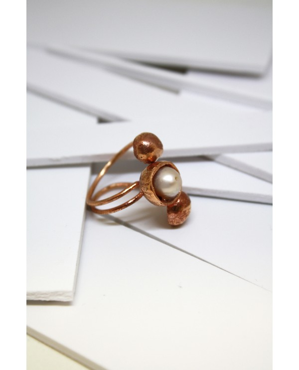 Equinox Ring With Pearl