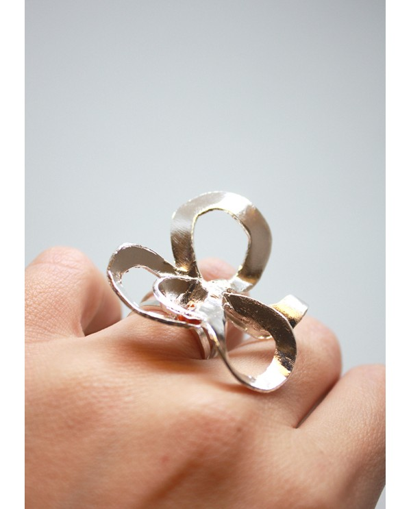 Shadows Flower Ring