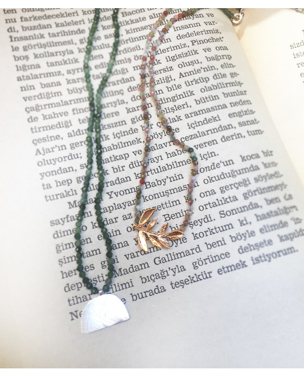 Olive Branch Onix Necklace
